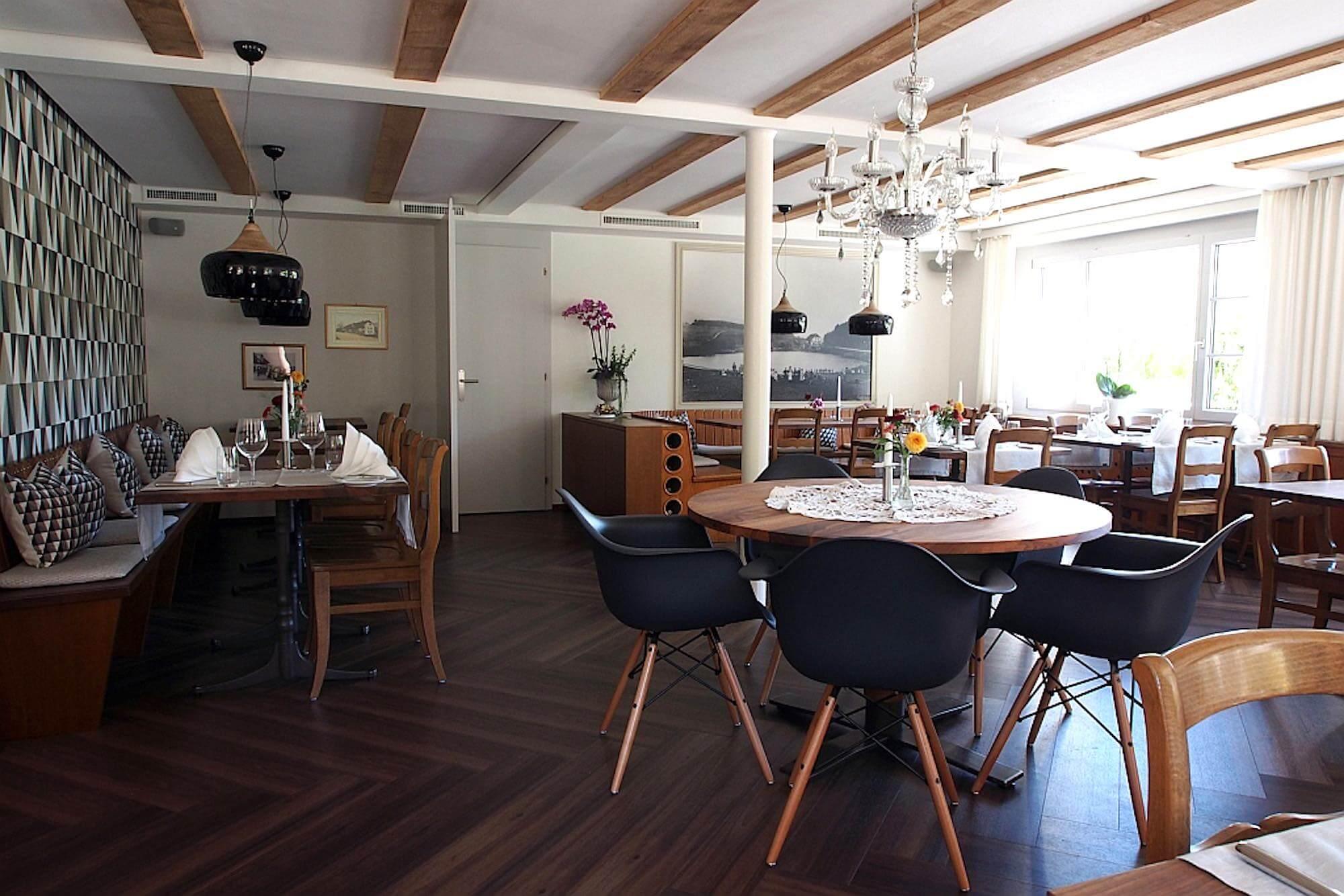 Akustikdecke für bessere Raumakustik in einem Restaurant, Viktor Wyss AG in Flumenthal, Solothurn